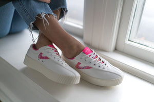 Load image into Gallery viewer, Tretorn Nylite12bold Neon Platform Sneaker