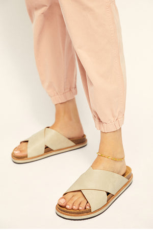 Load image into Gallery viewer, Free People Sidelines Criss Cross Sandal