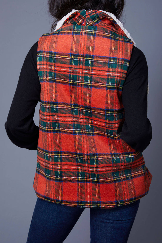 Load image into Gallery viewer, Sherpa Lined Tartan Vest