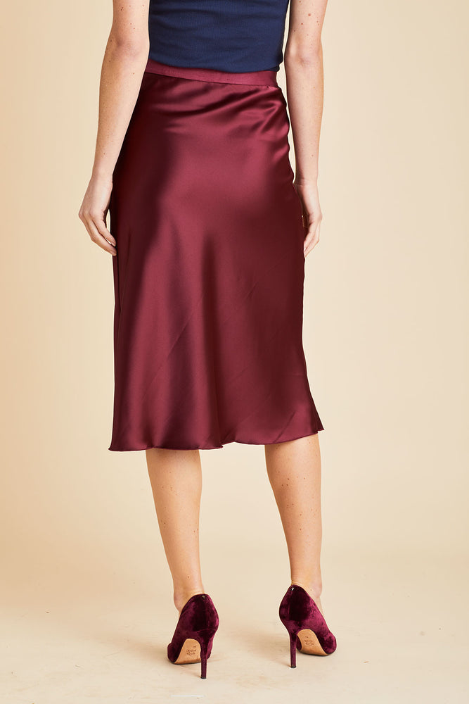 Hashtag Solid Elastic Waist Skirt (available in burgundy and black)