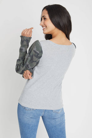 Load image into Gallery viewer, Vintage Havana Thermal Camo Puff Sleeve Top