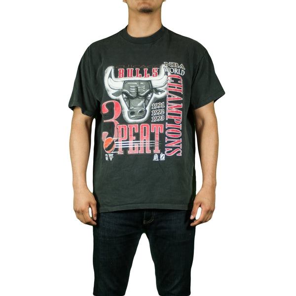 Chicago Bulls 3 Peat Vintage T Shirt