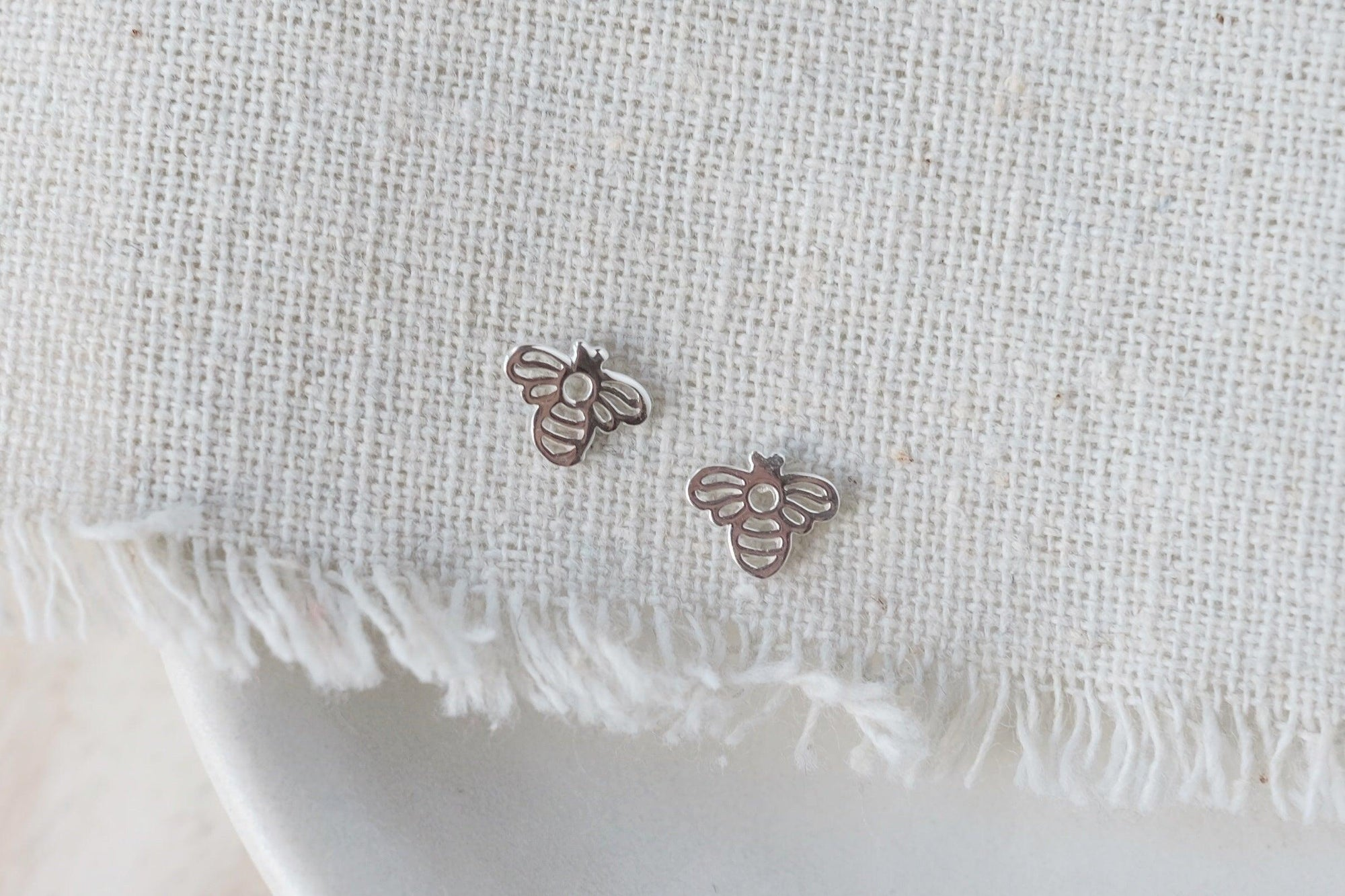 Bee Outline Earrings