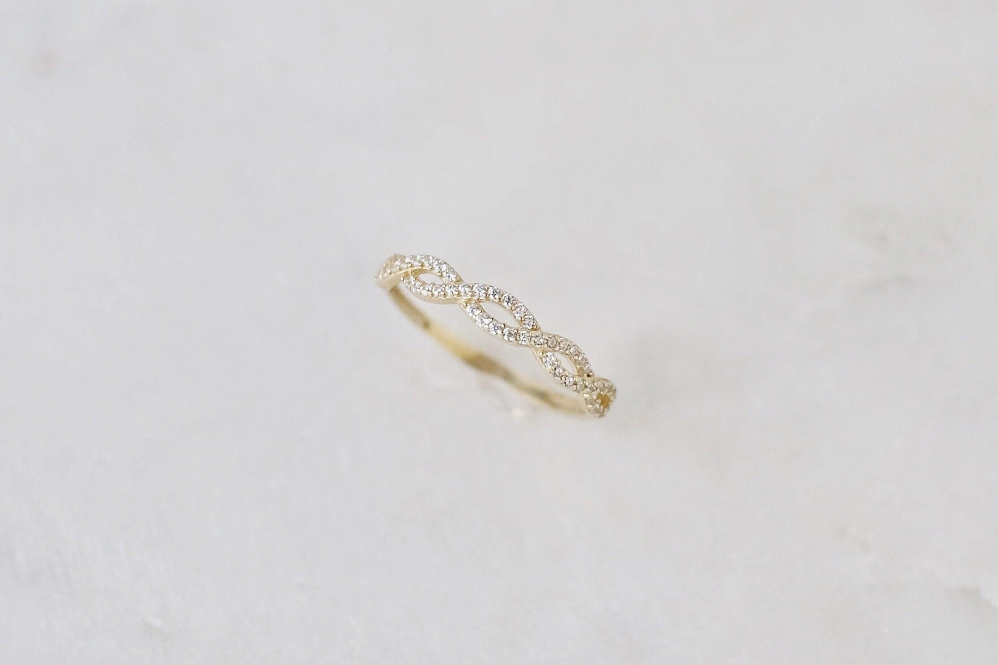 10k Gold Twist Ring