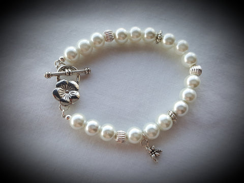 Pearl Bracelet with Flower Clasp