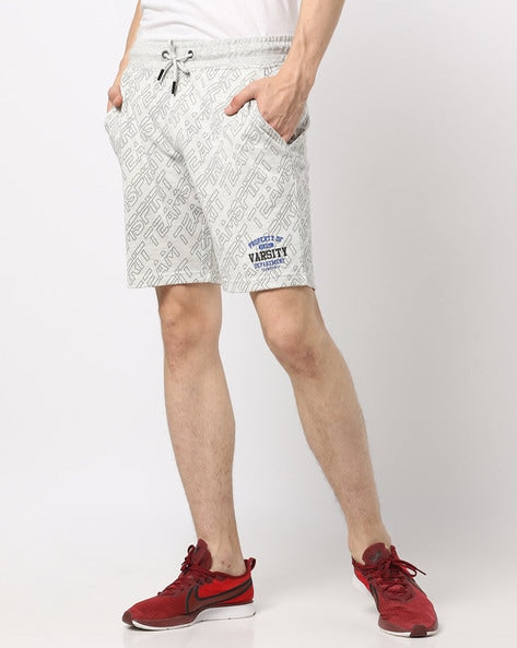 Shorts with Raw-Edges