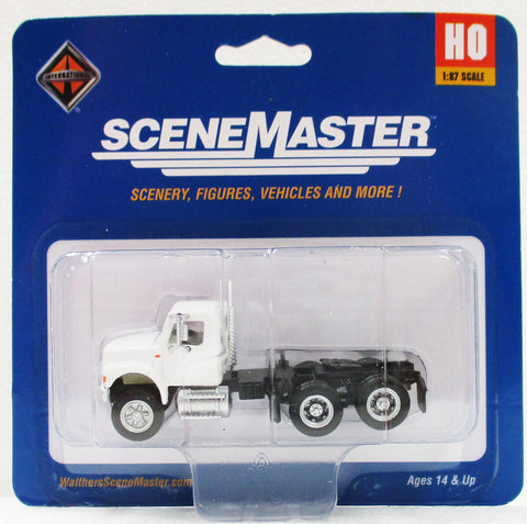 HO Scale Walthers Scene Master 949-11180 International 4900 White Dual Axle Semi Tractor