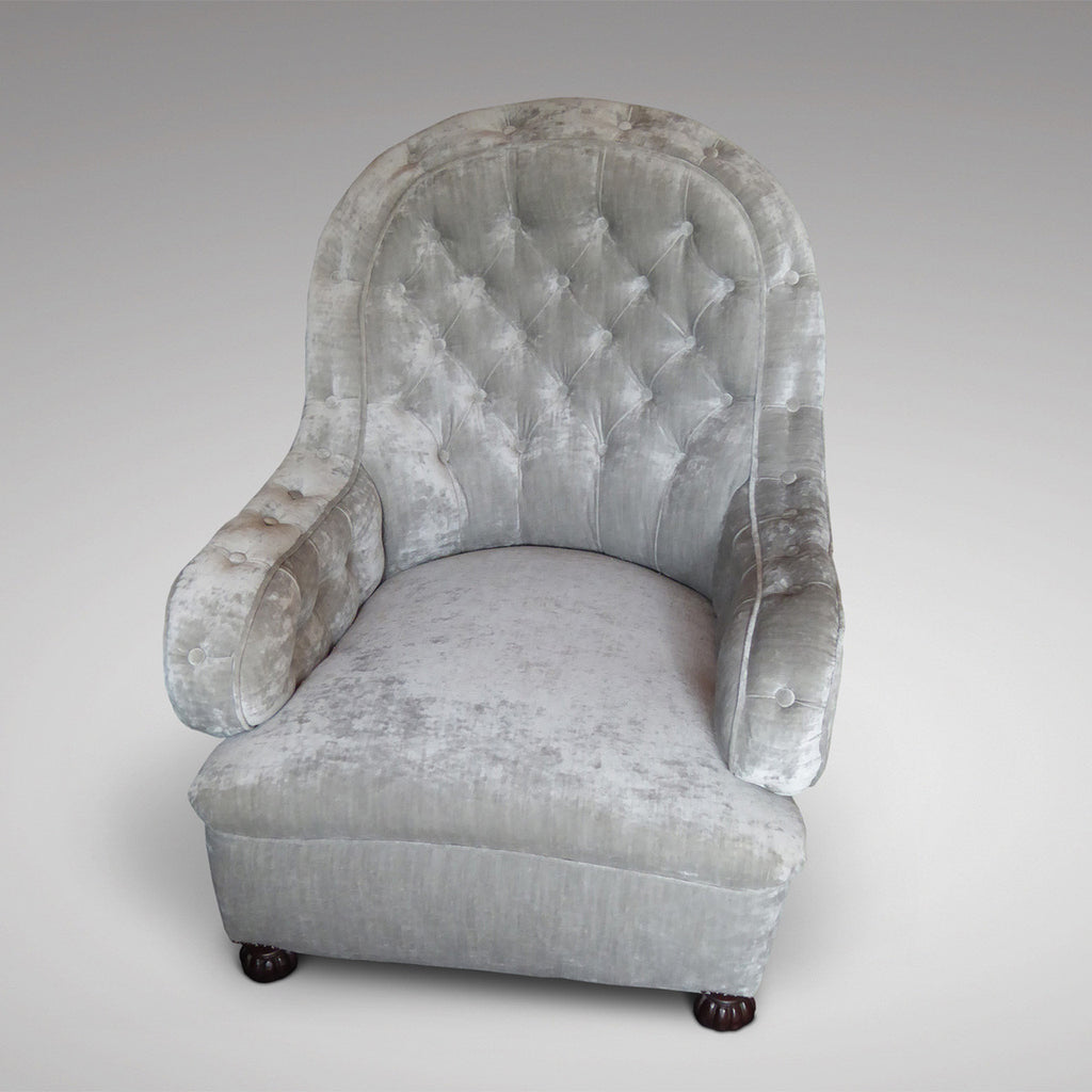19th Century Buttoned  Armchair - Front view - 5