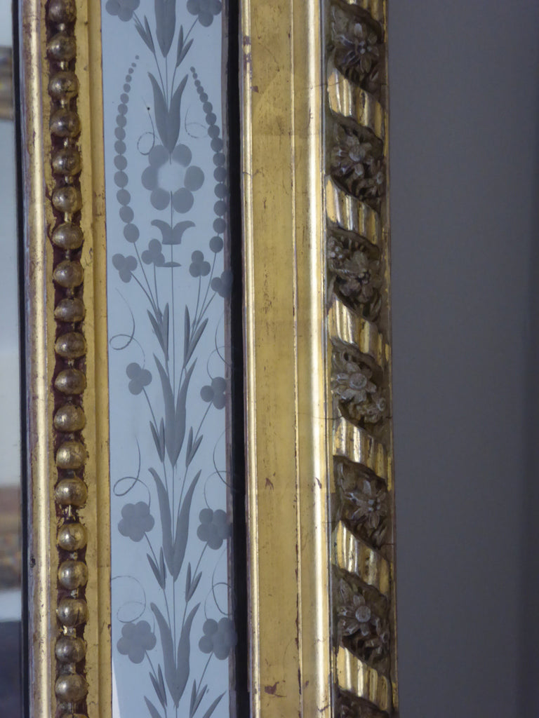 19th  Century  Giltwood  Wall  Mirror detail - side view