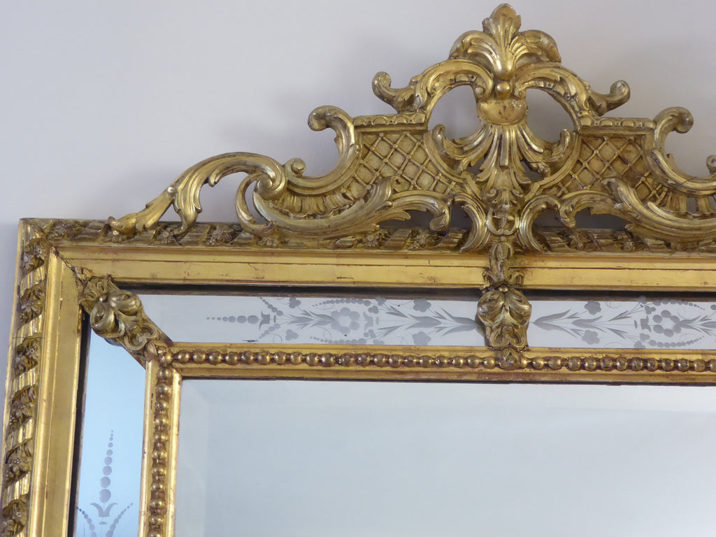 19th Century  Giltwood  Wall  Mirror detail - top view