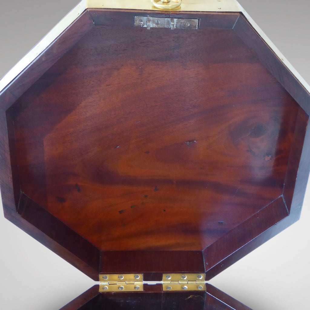 George III Mahogany Cellarette - Inside View of top-3