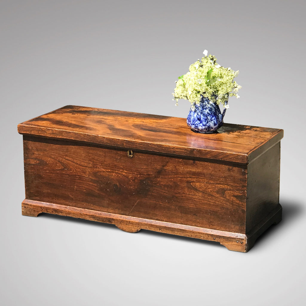 Early 19th Century Elm Blanket Box - Main View - 1
