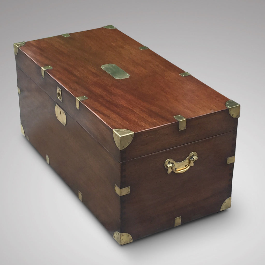 19th Century Mahogany Campaign Trunk - Side view 1
