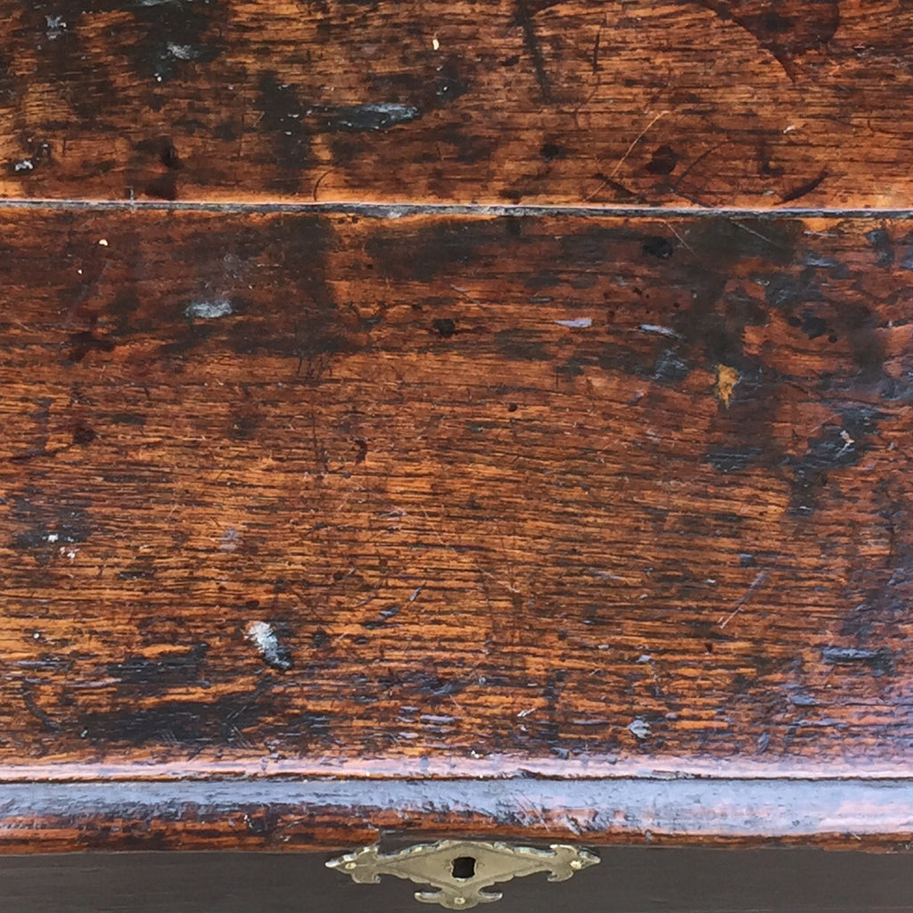 Early 18th Century Oak Coffer - Top Detail View- 4