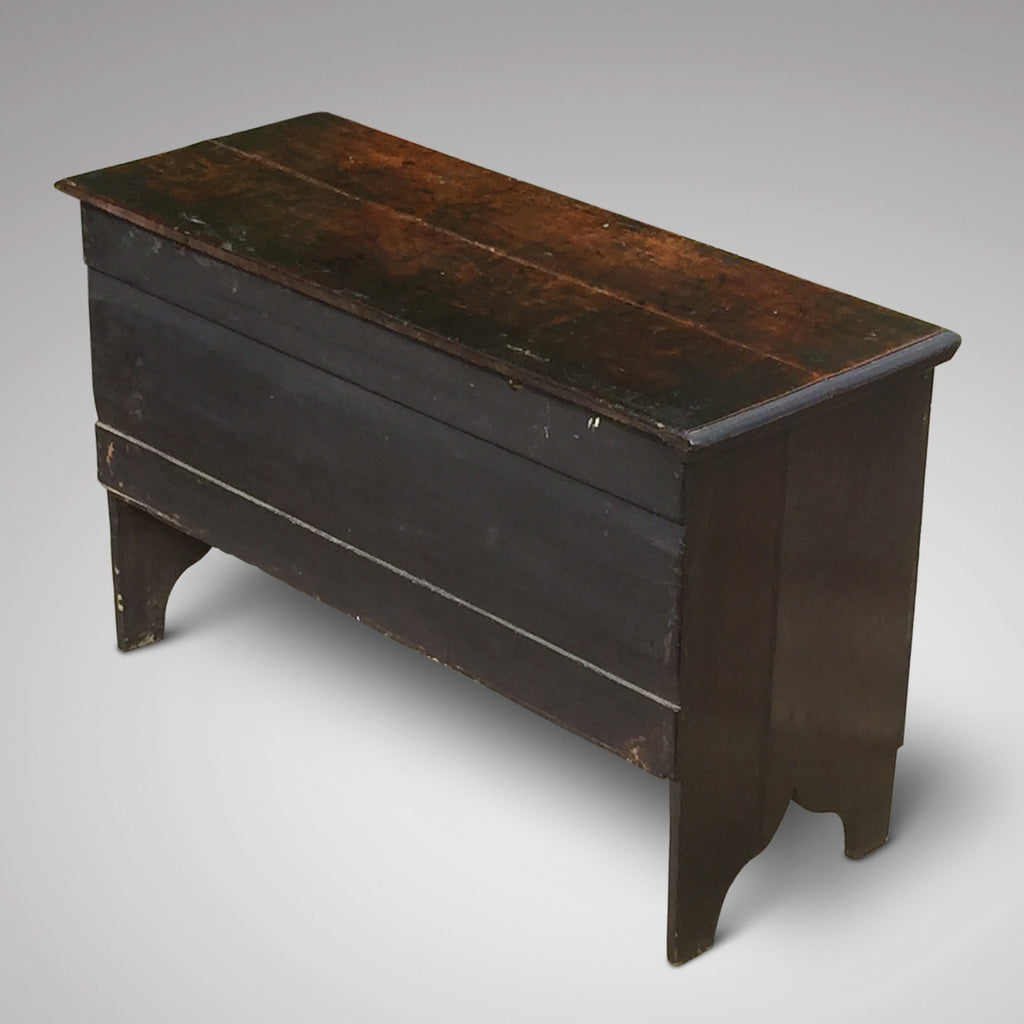 Early 18th Century Oak Coffer -Back and Side View - 2