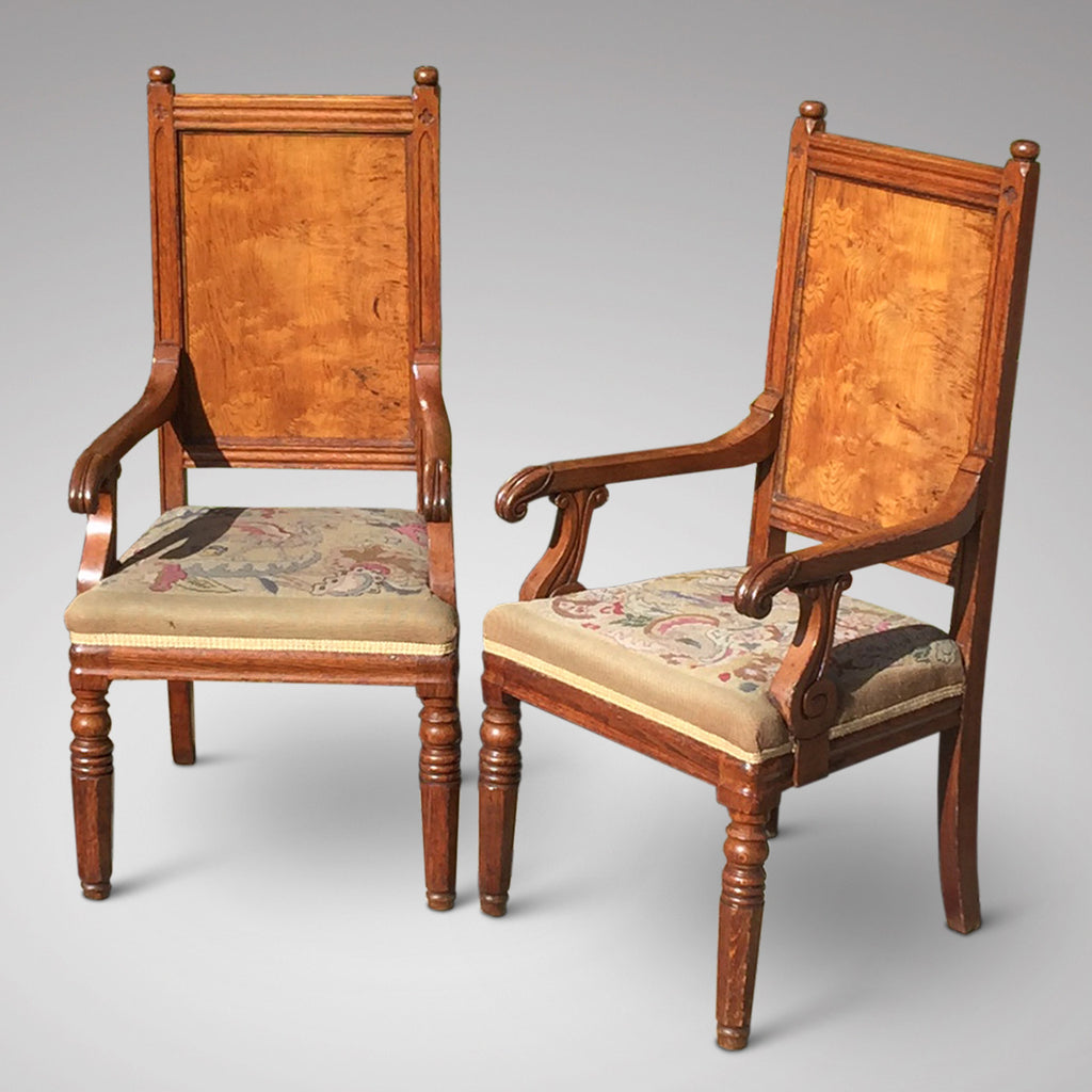 Pair of Oak Arts & Crafts Armchairs - Front & side view - 1