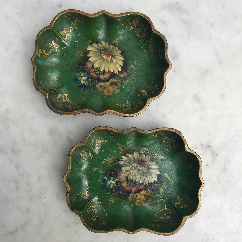 Pair of Victorian Green Papier Mache Dishes - Main View - 2