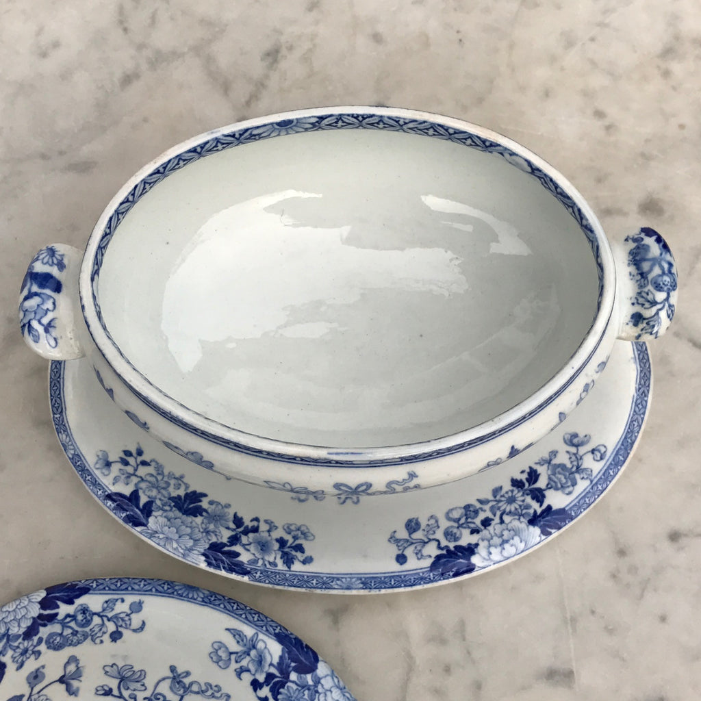 19th Century Wedgwood Sauce Tureen - Inside View of Tureen - 6