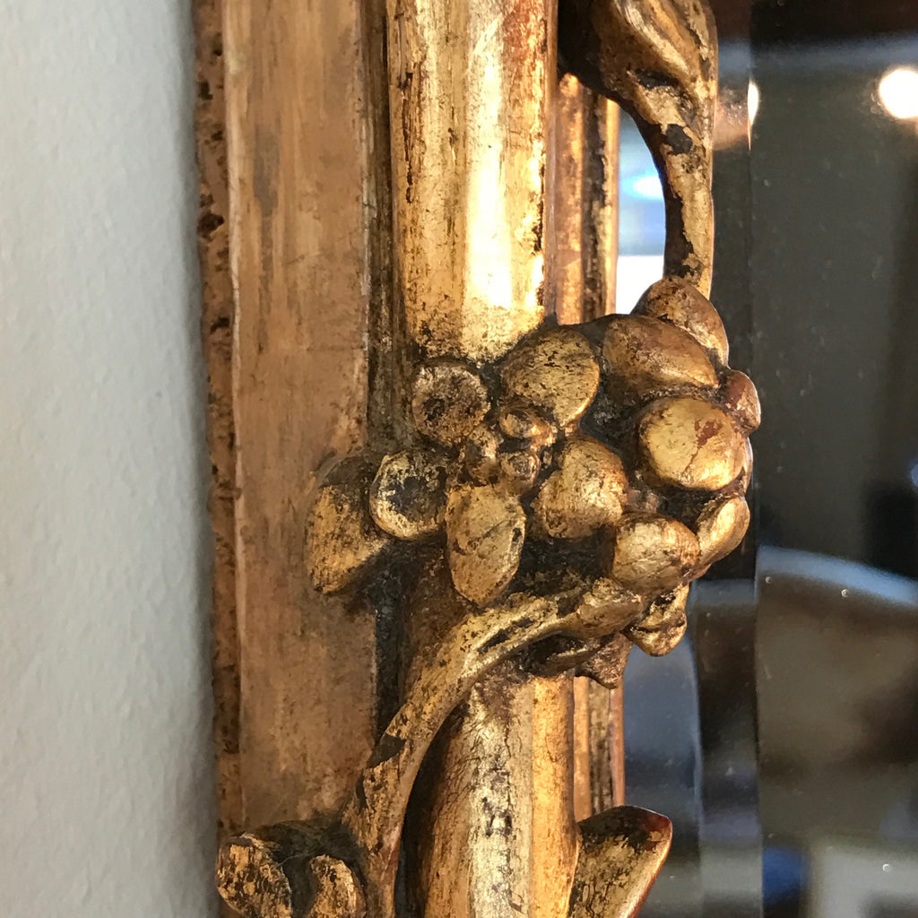 18th Century Carved Giltwood Mirror - Close Up View Frame - 5