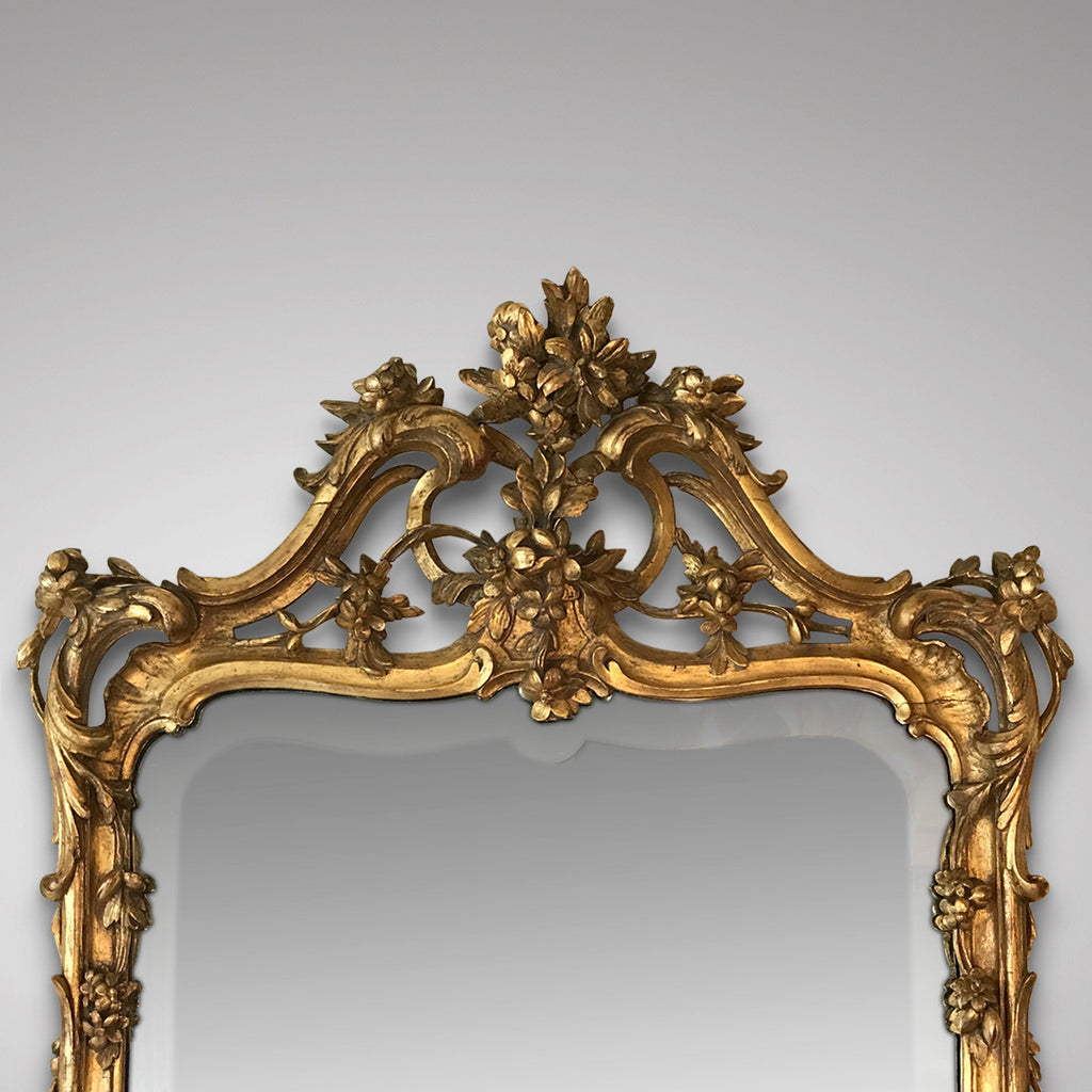 18th Century Carved Giltwood Mirror - Top Detail View -2