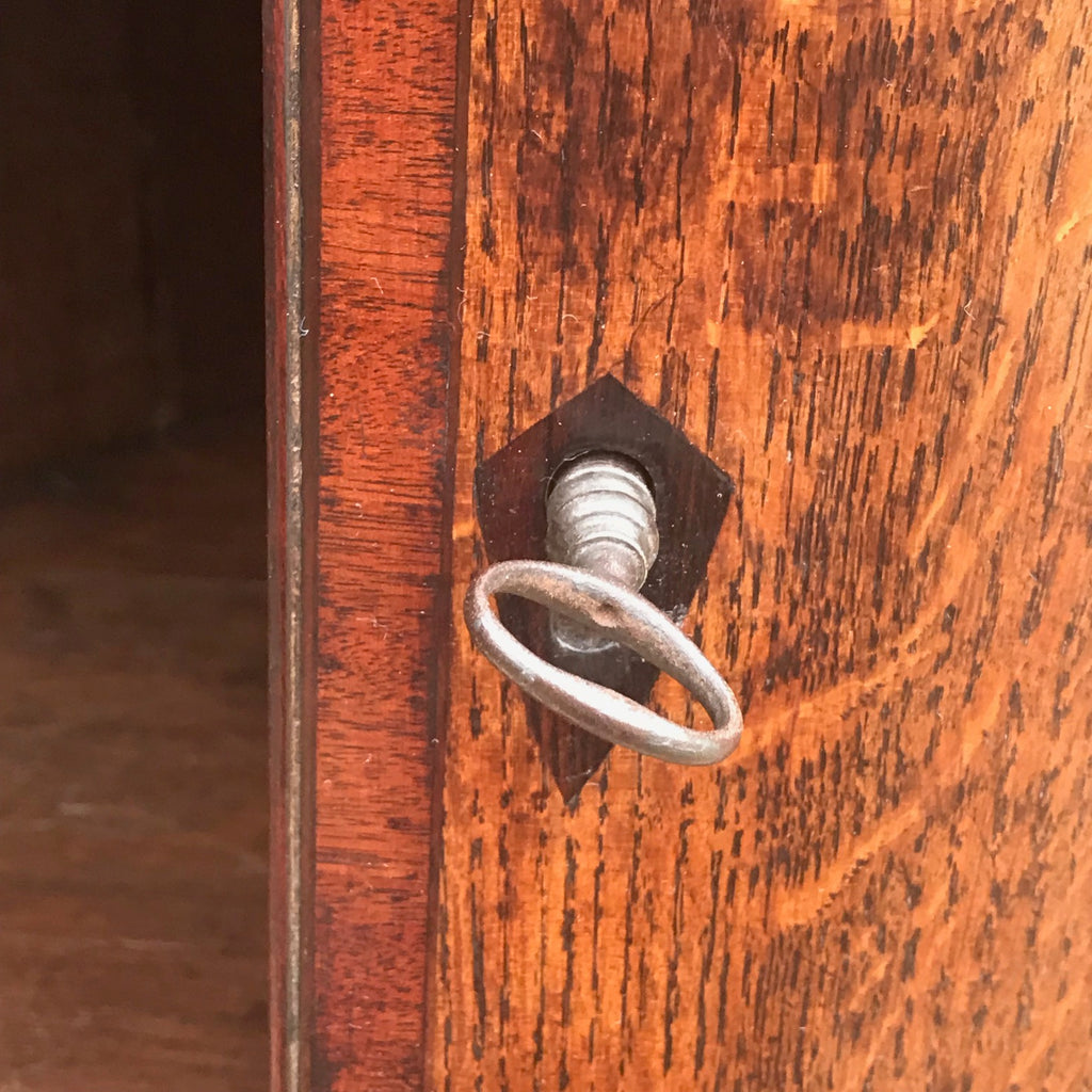 George III Bow Fronted Oak Corner Cupboard - Detail View - 4