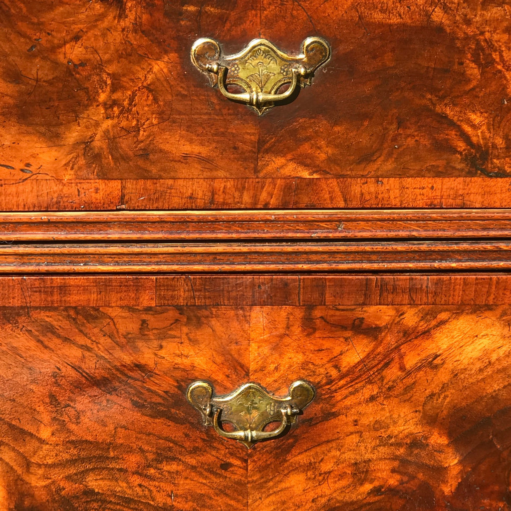 Early 18th Century Oak & Walnut Chest of Drawers - Front Detail - 8