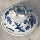 19th Century Chinese Blue & White Baluster Vase & Cover - Lid View - 3