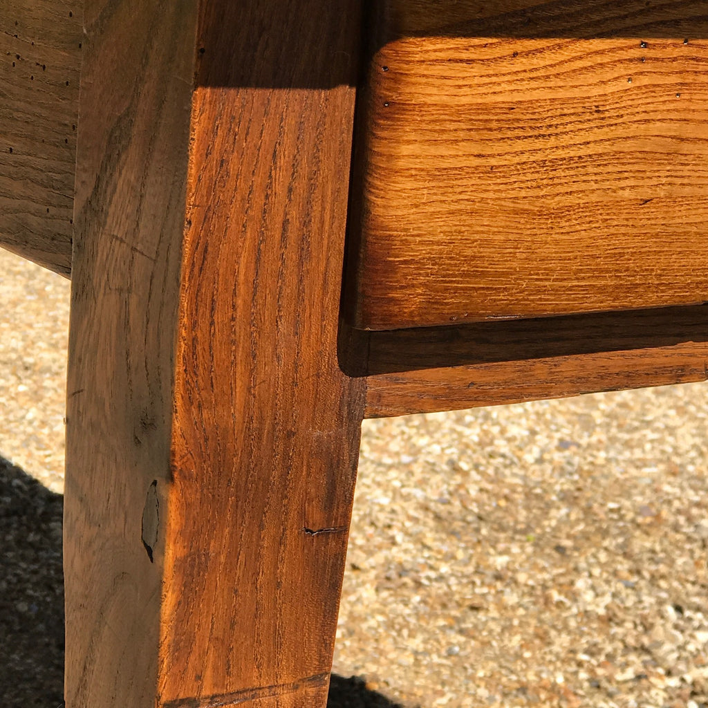 19th Century Elm Dining Table - Leg Detail View - 11