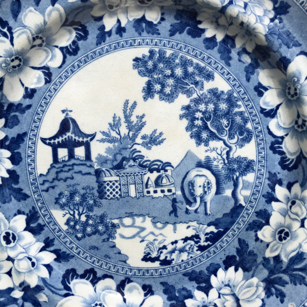Pair of 19th Century Blue & White Plates - Centre Detail View - 3