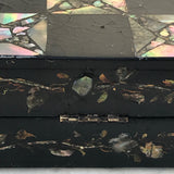 19th Century Mother of Pearl Chessboard with Backgammon Interior - Detail View - 8