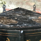 Early 18th Century Chinoiserie Corner Cupboard - Top Detail View - 13