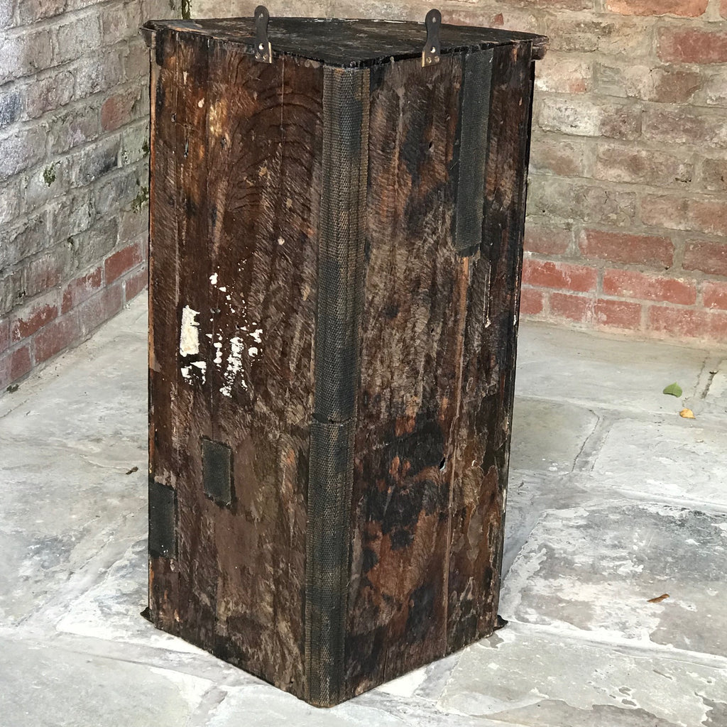 Early 18th Century Chinoiserie Corner Cupboard - Back View - 12