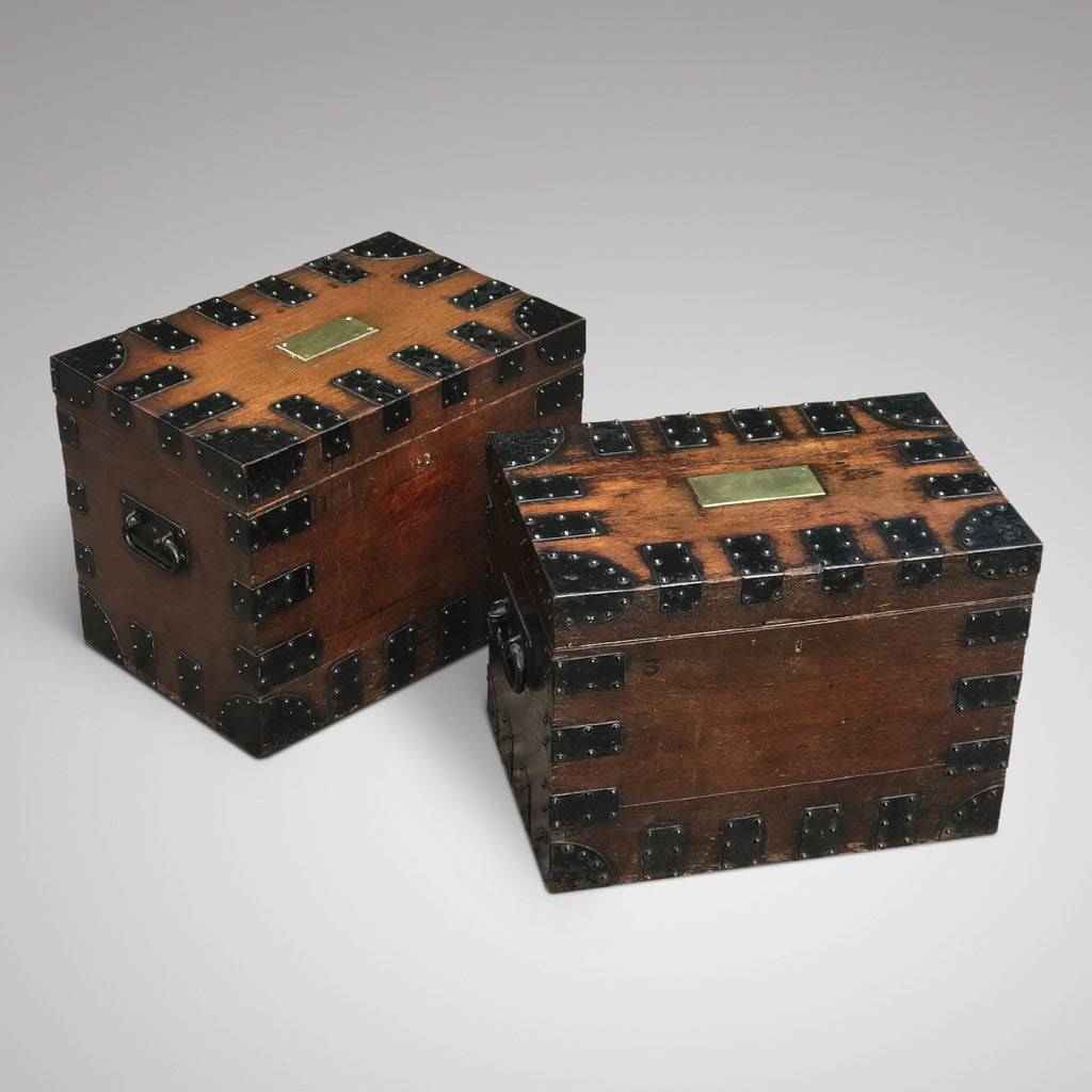 Two Victorian Oak Silver Chests by Elkington & Co - Main View - 3