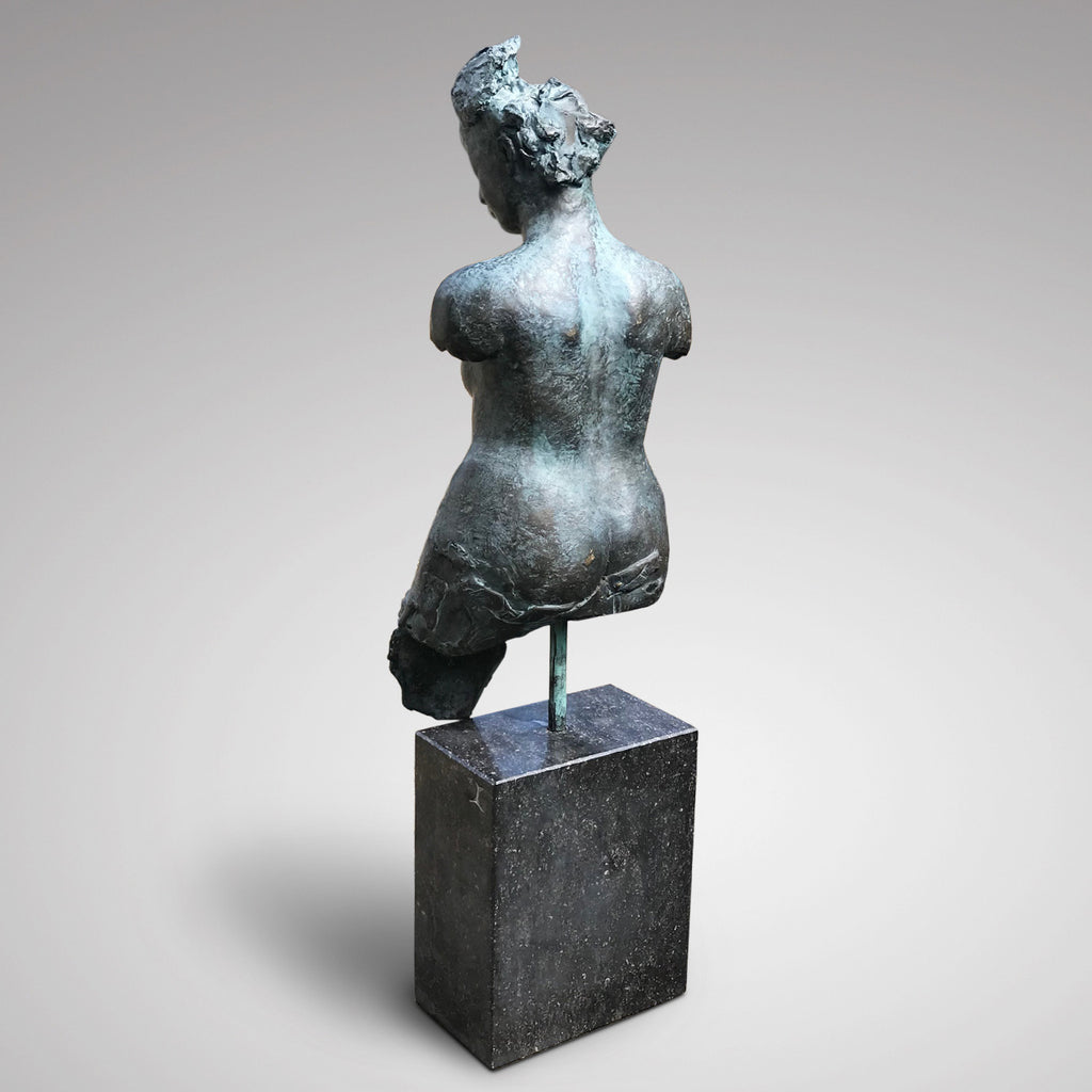 20th Century Bronze Sculpture of Amazone - Back View - 2