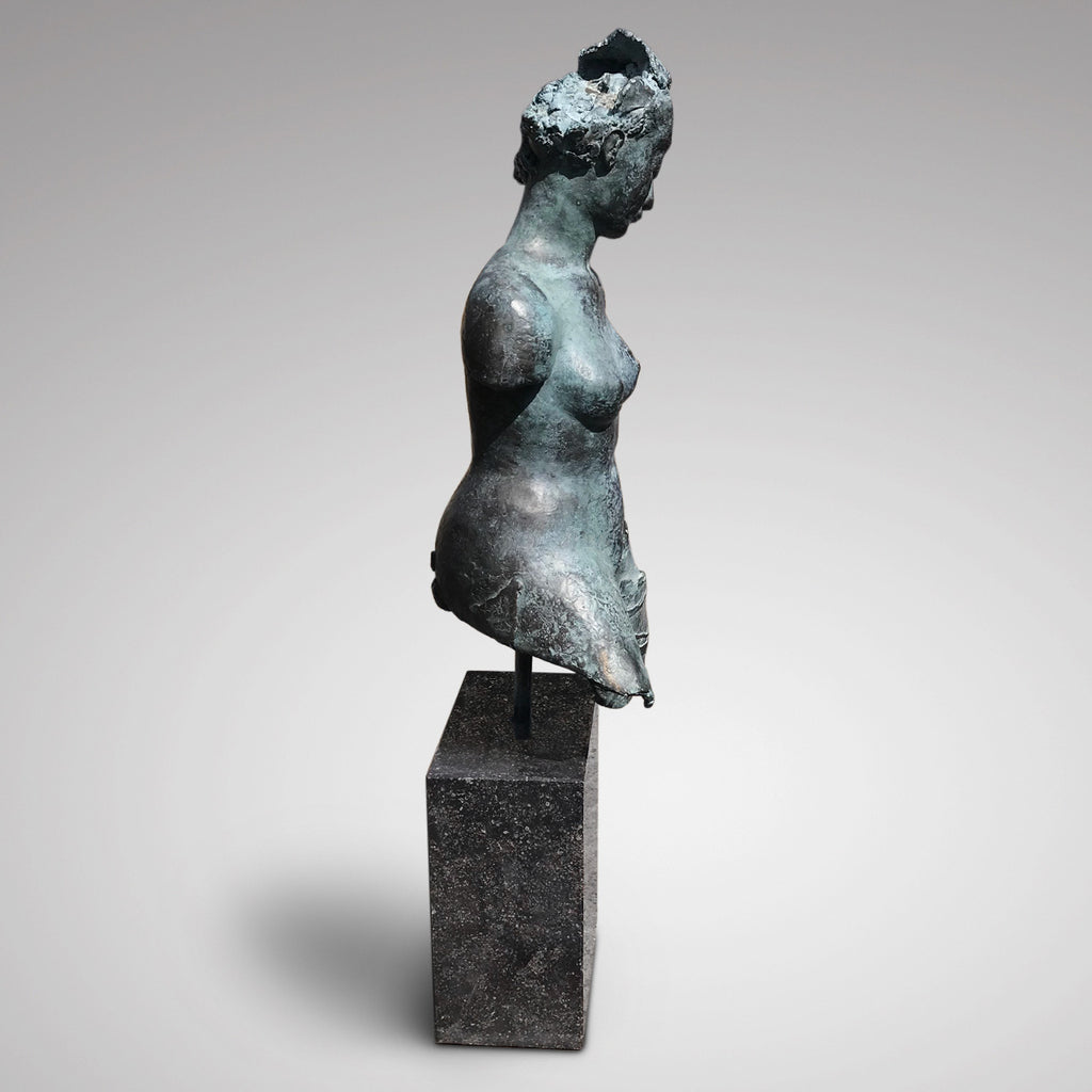 20th Century Bronze Sculpture of Amazone - Side View - 3