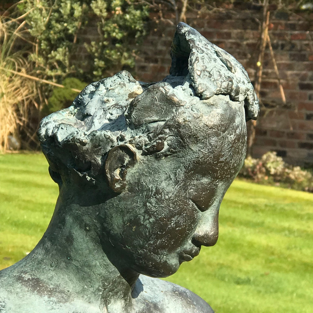 20th Century Bronze Sculpture of Amazone - Head Detail View - 4