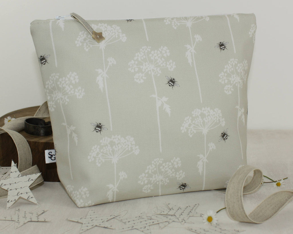 Cow Parsley Wash Bag