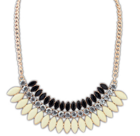 New Designer Statement Jewelry Drop Resin Leaf necklaces Statement Choker necklace for Women