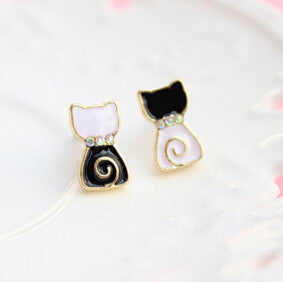 New Super Cute Stylish Black and White Cat Stud Earrings