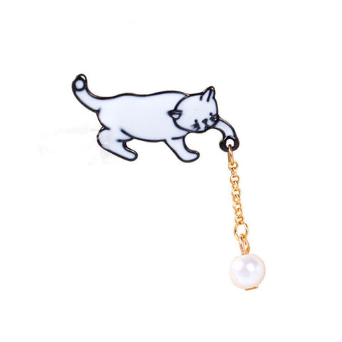 New Lovely Cat Catching Ball Enamel Brooch