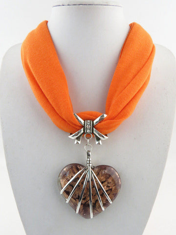 New Arrival Elegant Vintage Big Heart Pendant Short Polyester Scarf Necklace for Women Accessories