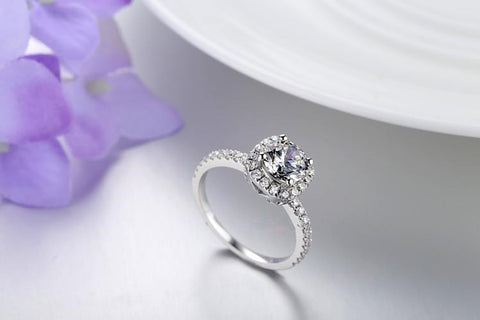 New Arrival Luxury Platinum Plated Square Zircon Engagement Ring
