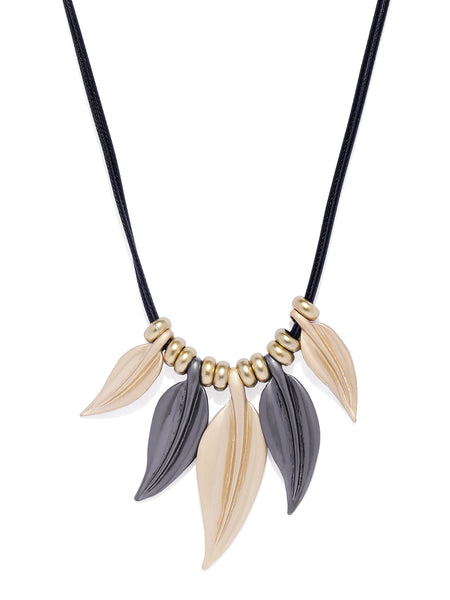 Matte Leaves Necklace