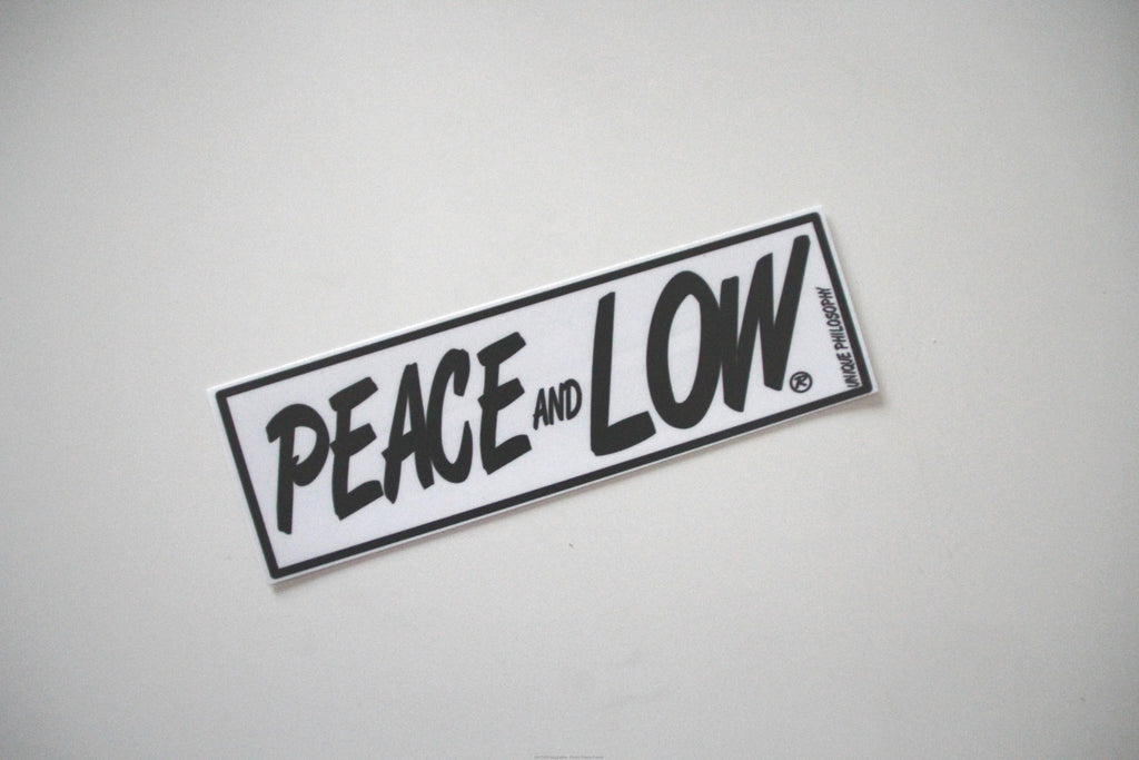 "Adesivo Sticker ""Peace and Low"" Bianco/Nero - Peace and Low Petrolhead Clothing"