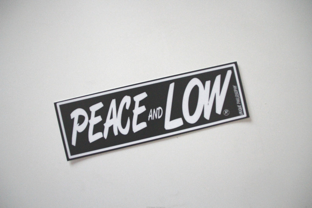 "Adesivo Sticker ""Peace and Low"" Nero/Bianco - Peace and Low Petrolhead Clothing"
