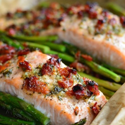 Baked Salmon With Sun-dried Tomato Tapenade