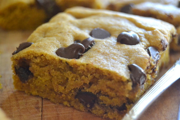Paleo Chocolate Chips Blondies