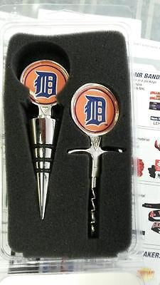 MLB Detroit Tigers Cork Screw and Wine Bottle Topper Set
