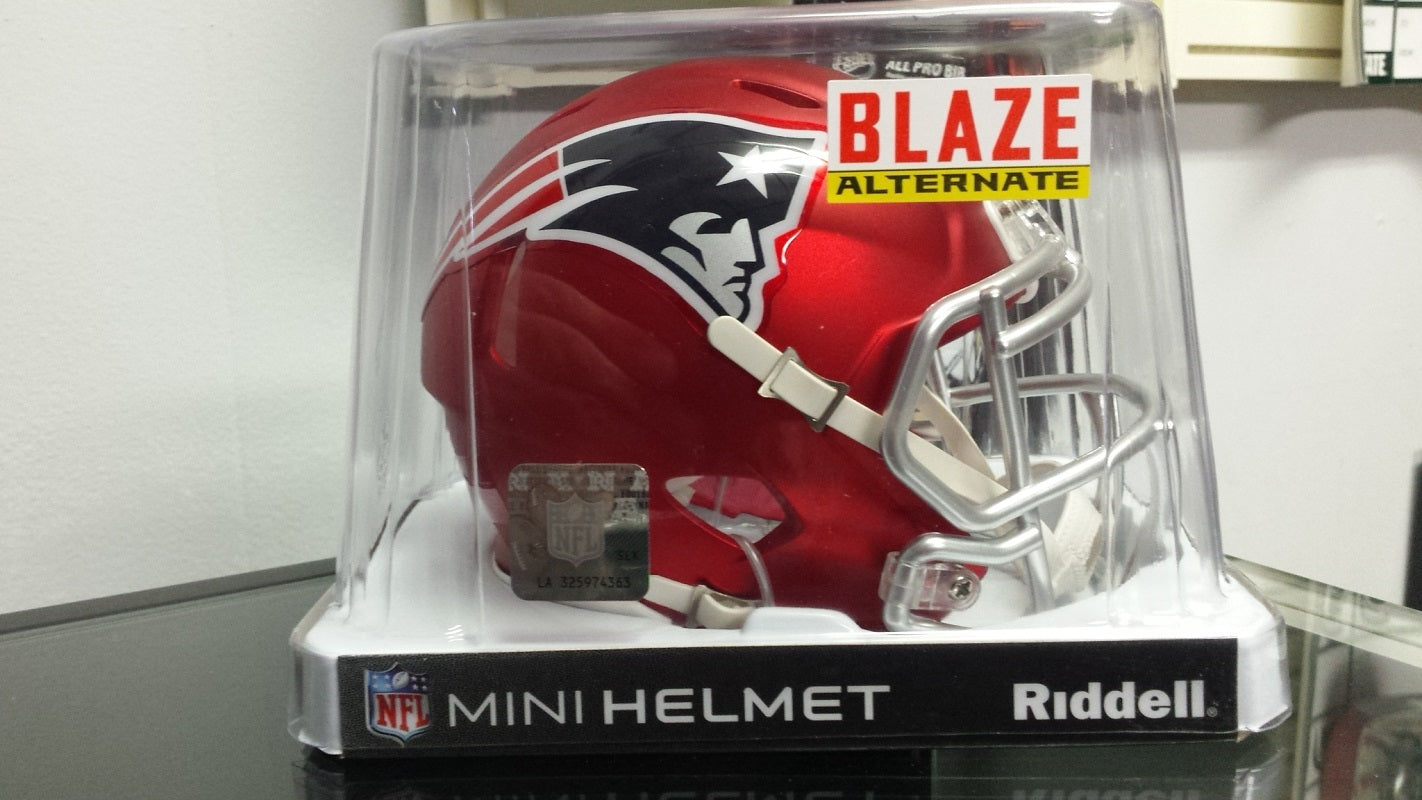 1753318d NFL Riddell New England Patriots Limited Edition Blaze Style Mini Speed  Helmet