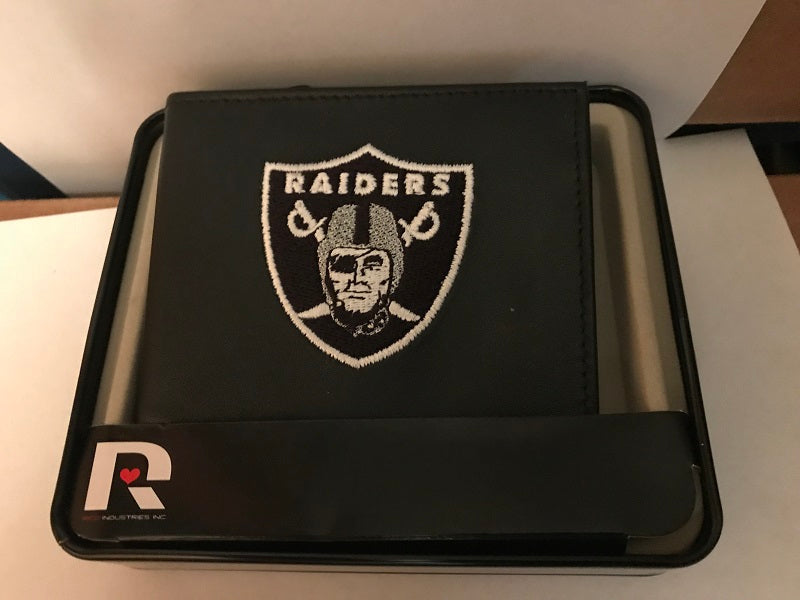 NFL Oakland Raiders Embroidered Billfold / Wallet
